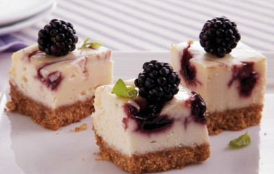 Cheesecake raw cu mure